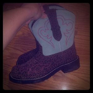 Brand new Ariat fatbaby boots